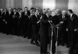 Bruderkuss Leonid Breznew und Erich Honecker