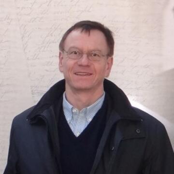 Andreas W. Daum